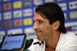 Gianluigi+Buffon+Italy+Training+Session+Press+BK2lesMda8Kl