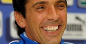 Gianluigi+Buffon+Italy+Training+Session+Press+I8C4WCm-W30l
